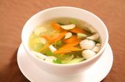 体に優しいビタミン豊富な野菜スープです。
