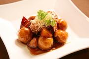 台湾黒酢と米沢豚を使用したオリジナル酢豚。サツマイモとこんなに合うとは意外です。