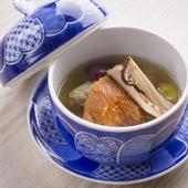 伝統料理に和のエッセンスを加えた名物『の弥七 風仏佛湯』