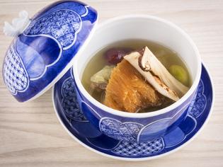 中国の伝統料理、佛跳湯に和の食材やエッセンスを加える