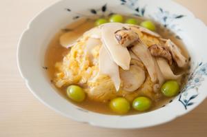 ふわりとした卵炒めに秋の味覚を代表する2つの香りを織り交ぜた『松茸の卵炒め』