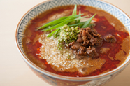 稲庭中華そばと国産厳選食材のハーモニーが楽しめる特製『担々麺』