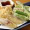 旬の野菜は揚げたて、サックサクの『天ぷら』がおすすめ