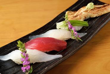 旬の魚が楽しめる『本日の5貫盛り』
