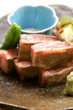多彩な料理をお手頃価格で味わえる<千寿>コース