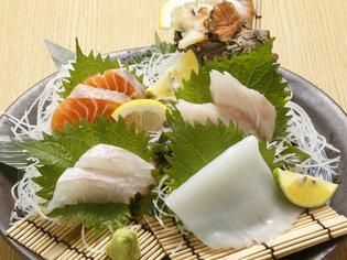 その日獲れた新鮮な魚にこだわった『大将おまかせ刺身盛り』