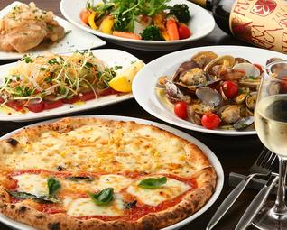 料理長おまかせのディナーコース。贅沢に食材を使ったフルコース。
