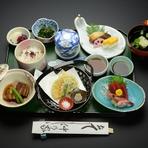 刺身(二種盛) 焼き魚 角煮 天ぷら 小鉢 茶碗蒸し ご飯 椀 香の物