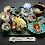 天ぷら盛り合わせ 刺身(二種盛) 小鉢 茶椀蒸し もずく酢 ご飯 椀 香の物