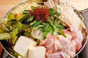 ベース:塩・醤油・チゲ/メイン食材を選択:鶏・豚・モツ ※2人前からのご注文となります。画像は『鶏の塩鍋』です。