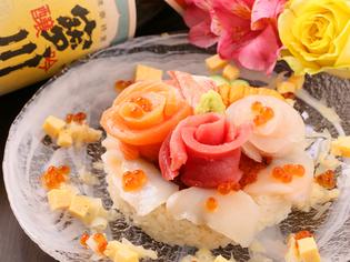 ケーキのように華やかに仕立てた『デコ寿司』