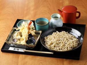 しらすのかき揚げと大海老、旬菜の天ぷら十割そば『雪ノ下』