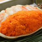 11~12月限定。内子と外子の味が楽しめる『勢子蟹塩蒸し』