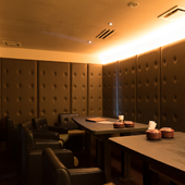海が見える個室や完全防音の個室など、さまざまなタイプの個室が