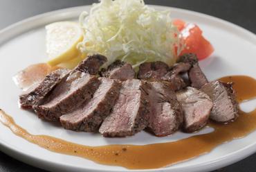 ラム肉のグリル焼き~トリュフソース~
