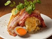 スモーク香るポテトサラダです♪ 燻製卵入りポテトに燻製香る黒豚ベーコンのコンビ☆
