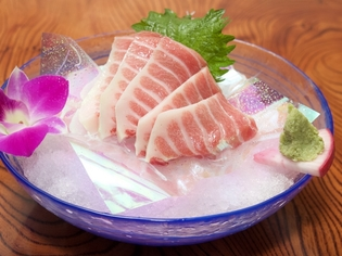 毎日食べても飽きないように、豊富な種類の鮮魚を仕入れて