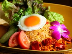 まるで海外に来たような気分を味わえる『ナシゴレン~インドネシア風炒飯~』