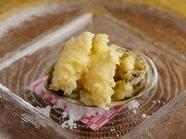 驚くほど柔らかい。濃縮された旨みとろける『あわびの天ぷら』