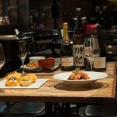 おいしい料理とお酒でディナータイムを満喫。デートにもおすすめ