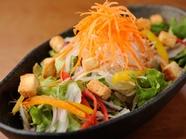 11種の野菜!葡萄屋サラダ