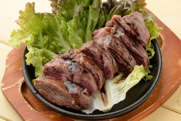 しっとりと柔らかい『牛のハラミステーキ』