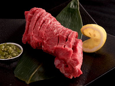 やわらかく深い味わいの『赤身ランプステーキ』