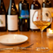 様々なグラスで楽しめるこだわりの自然派ワイン