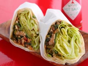 2種の味わいから選べる『ラスタコス(ブリトー)ジャークチキンorカレーポーク』