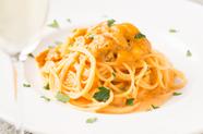 新鮮な生ウニをふんだんに味わえる濃厚ソース『極上生ウニのトマトクリームパスタ』