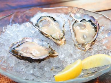 牡蠣の奥深さに感動! 新しい美味しさに出合える『オイスターマイスター厳選 生牡蠣SET 3種盛』