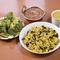 5種類のインドのお豆で炊いたご飯と、5種類のスパイスでつくった体に優しい絶品カレー『豆ごはんセット』