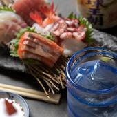 酒のプロが厳選した泡盛に日本酒。通もうなる旬の銘酒をいただく