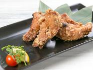 ジューシーな肉の旨みと香ばしいタレの風味が絶品、宮崎県産『ハーブ鶏の塩唐揚げ』