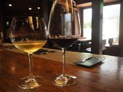 白ワイン赤ワイン共に、常時3~5種類のご用意しております。 ボトルワインも充実!