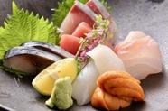 天然鮮魚にこだわり、市場から直送される『五種盛り』
