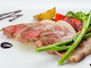 食べられる国宝、マンガリッツァ豚を堪能『マンガリッツア豚の低温ロースト』