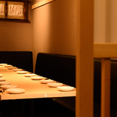 落ち着いた雰囲気の個室は、お二人の仲をさらに深める素敵な空間