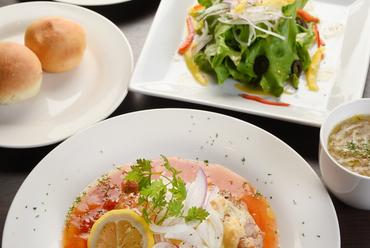 仕入れた食材でメイン料理が変わる『日替わりランチ』