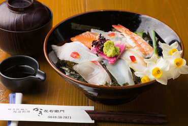 瀬戸内の新鮮魚介を堪能できる『海鮮丼』