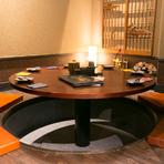 洗練された和風モダンな空間に、掘りごたつの円卓席。趣きある雰囲気とワンランク上の料理で、おもてなしの宴はいかがでしょうか。ゲストの方にも喜んでいただけることでしょう。