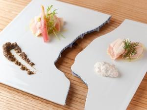 オリジナルのソースを使った『笹身のミキュイ サラダ仕立て』