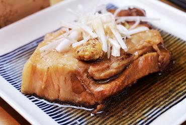 カシスが隠し味の国産豚バラ肉『国産豚のトロトロ角煮』