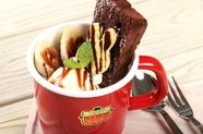 デザートは別腹。目もお腹も大満足の『マグカップパフェ』