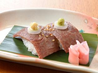 とろけるような食感の『飛騨牛握り寿司』