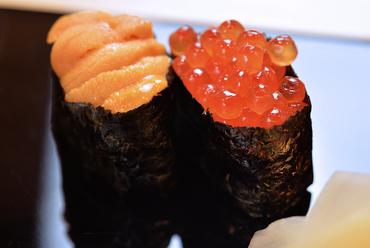 全国の漁港から上がった旬なネタを使った寿司各種