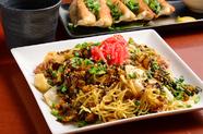 ボリュームたっぷり。食欲をそそられる味と薫りの『中洲屋台の焼きラーメン』