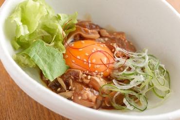 『宮崎鶏もも焼き』 プリッとジューシーな看板メニュー! 宮崎鶏の美味しさを最大限に引き出しました!