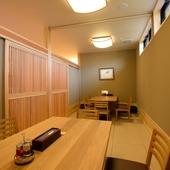 上質な時間をゆったりと過ごせる、2部屋ある個室