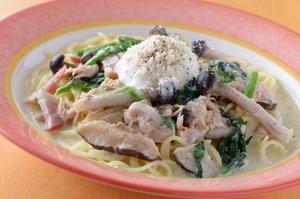 『よくばりカルボナーラ』はスープ仕立てが自慢!